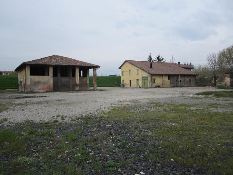 """Trattativa diretta per la vendita dei fabbricati podere """"Lavino vecchio"""", siti in Bologna, località Lavino"""