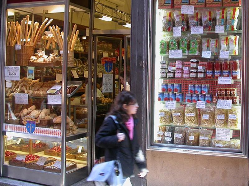 A Bologna obbligo di chiusura delle porte di accesso degli esercizi commerciali