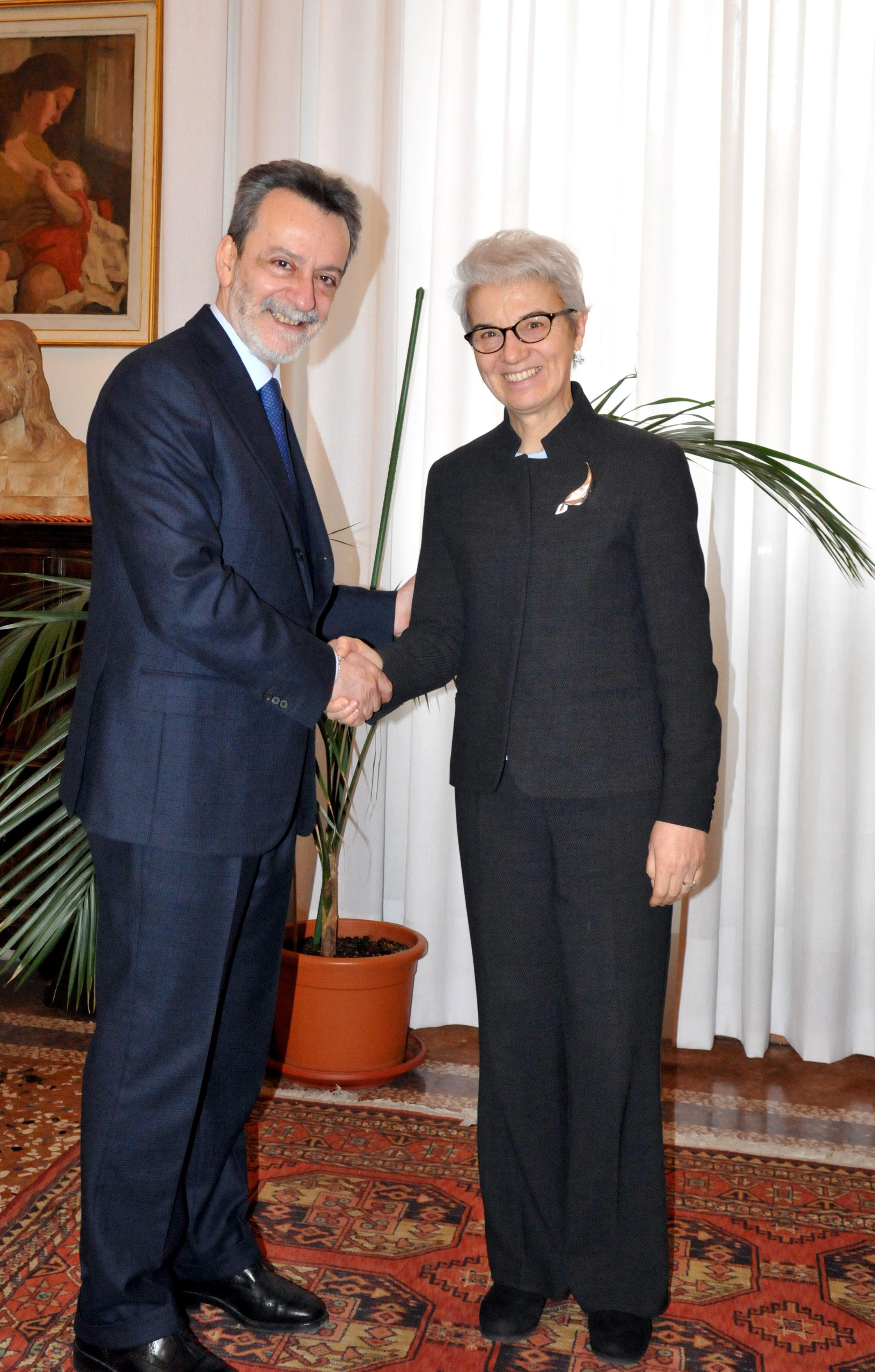 Portale - Il nuovo prefetto Ennio Mario Sodano in visita ...