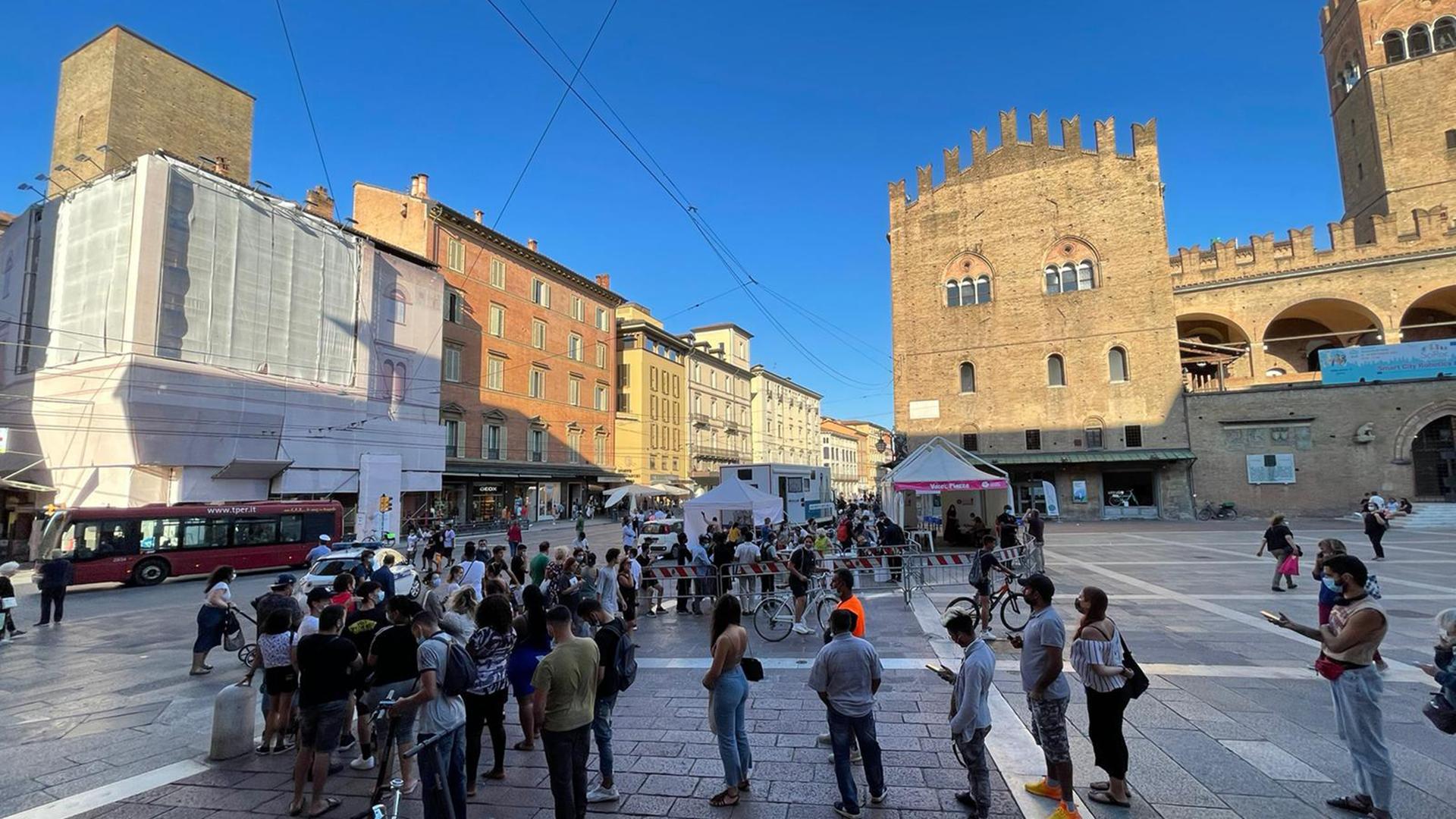Covid, guida alla campagna vaccinale nella città metropolitana di Bologna