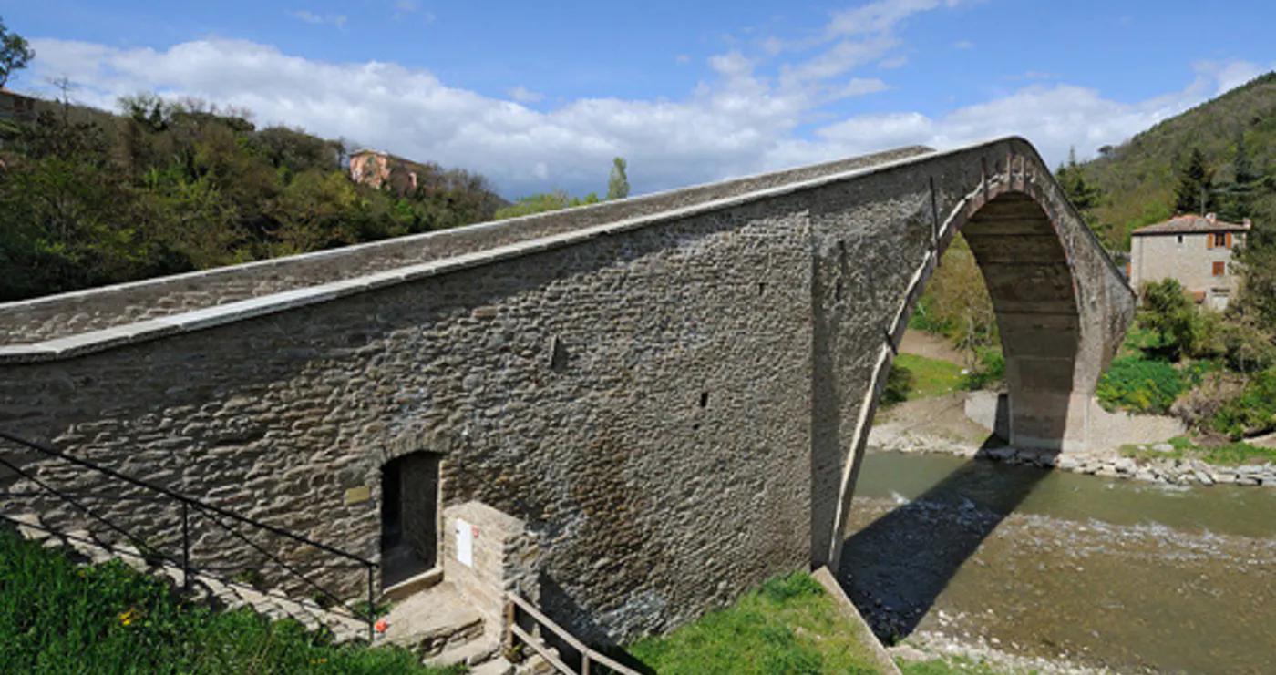 Ponte Alidosi a Castel del Rio - Foto dal sito FAI