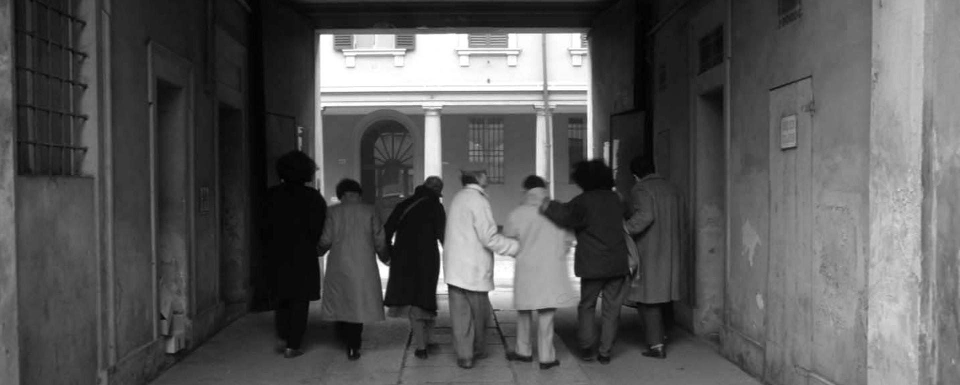 """Foto dalla mostra """"Sant'Isaia 96: una casa per uscire"""