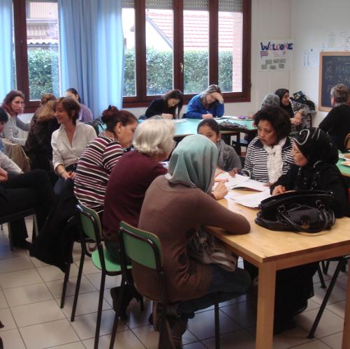 Banca dati corsi italiano per stranieri, online il bando per il terzo settore