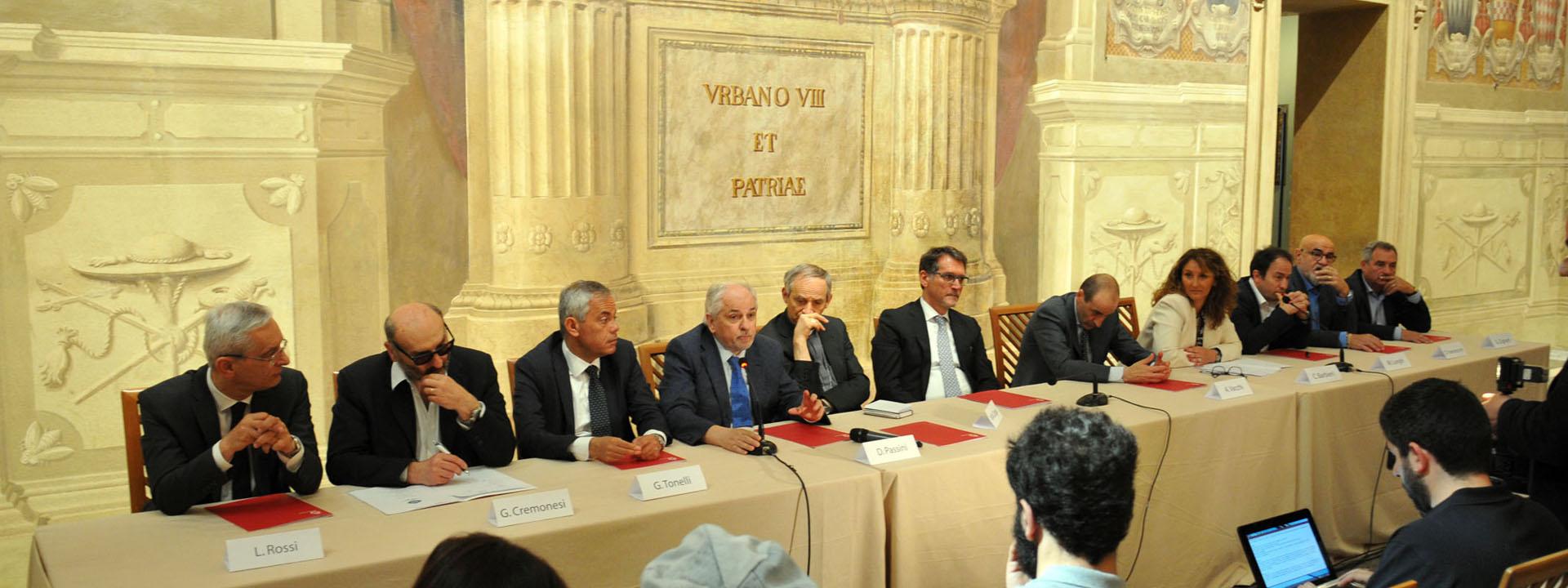 """La presentazione del piano """"Insieme per il lavoro"""" a palazzo D'Accursio. Archivio Città metropolitana di Bologna"""