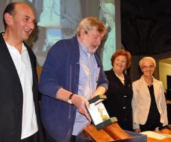 Francesco Guccini durante la consegna dei Premi - Archivio Provincia di Bologna
