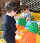 Bimbi che giocano - Archivio Provincia di Bologna