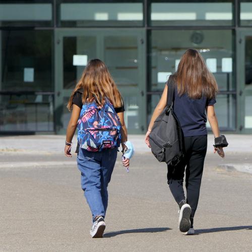 Contatti stretti, tamponi e quarantene, trasporti... Guida all'avvio dell'anno scolastico