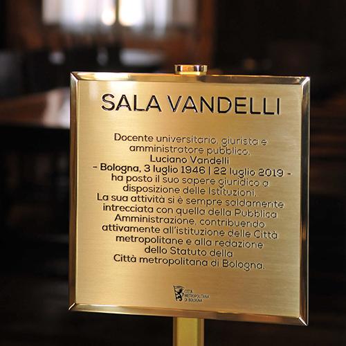 Intitolata a Luciano Vandelli la Sala giunta della Città metropolitana
