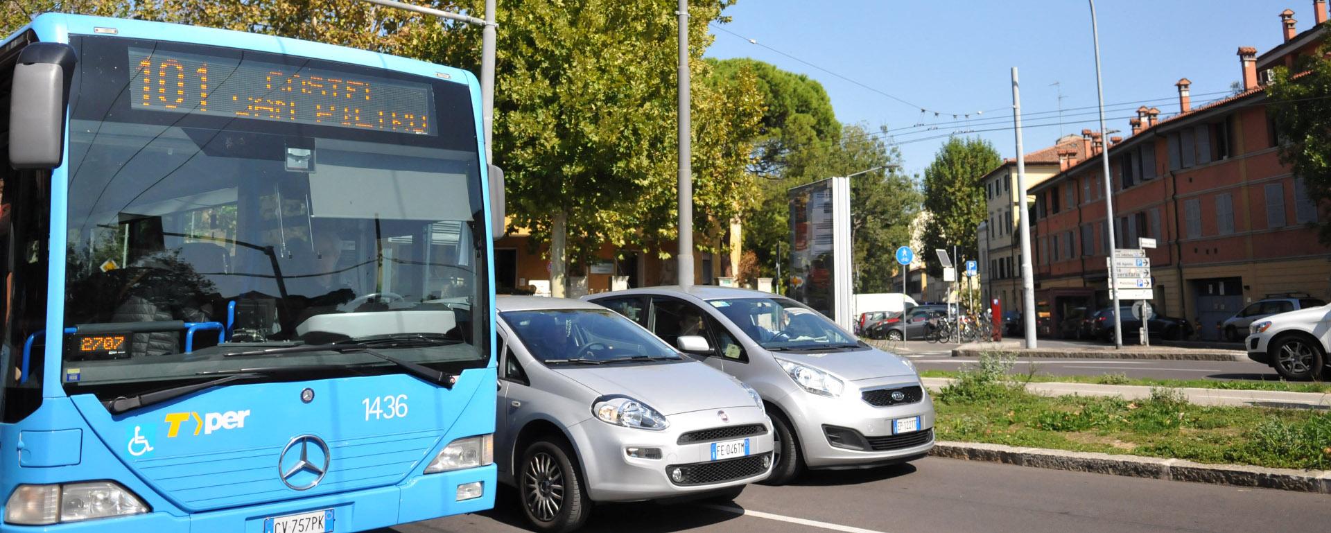 Autobus extraurbano - Archivio Città metropolitana di Bologna