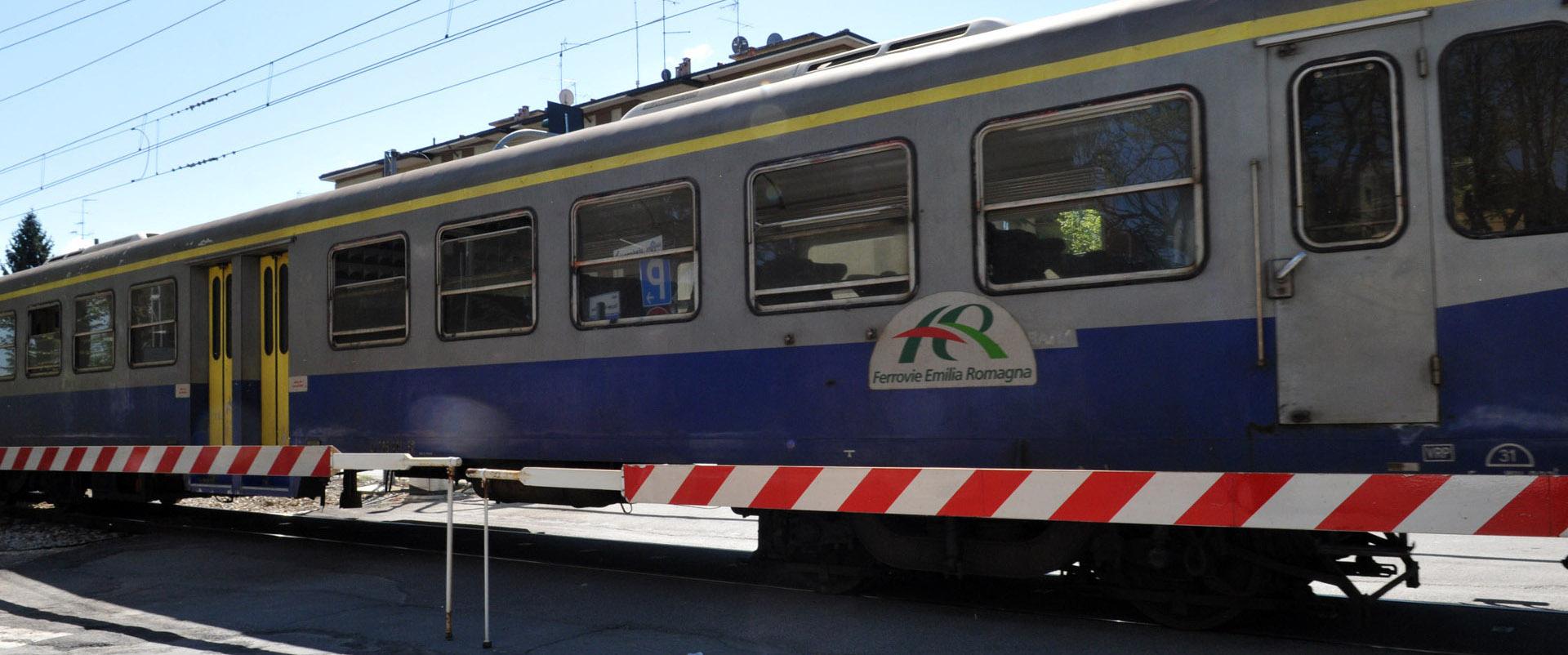 Treno locale. Archivio Città metropolitana di Bologna