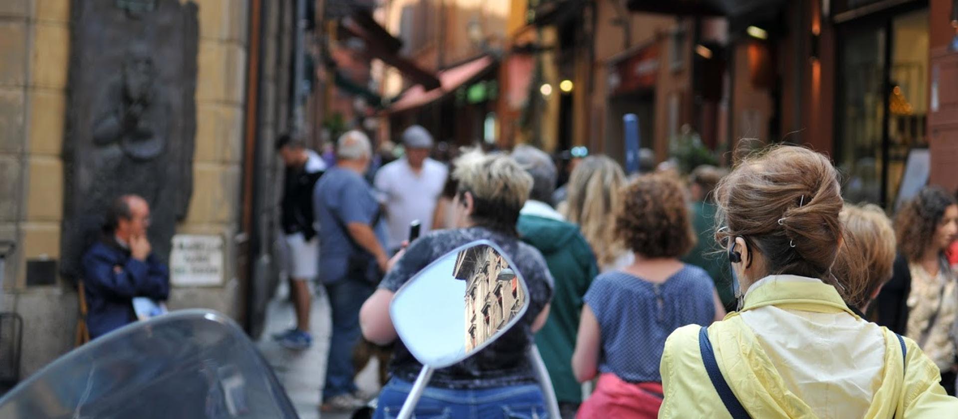 Gente in città - Archivio Città metropolitana di Bologna
