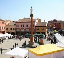 La piazza delle Cittaslow a Castel San Pietro Terme
