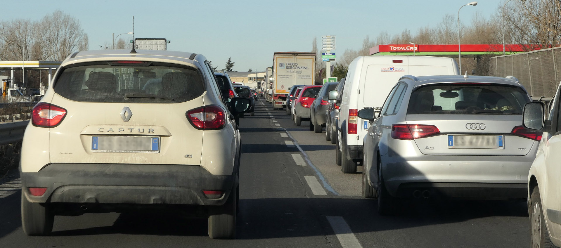 Automobili in strada