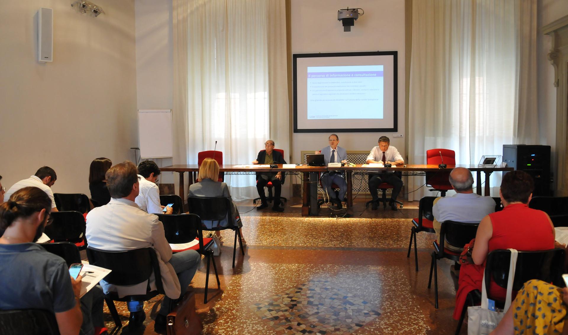 Alcuni momenti della conferenza stampa a palazzo Malvezzi
