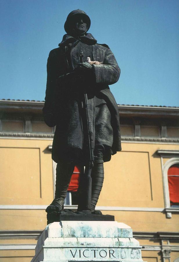 La statua del soldato