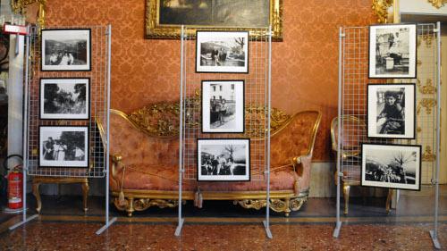 26/01/2016 - Mostra fotografica allestita a palazzo Malvezzi in occasione del Giorno della memoria