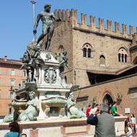 Turisti a Bologna