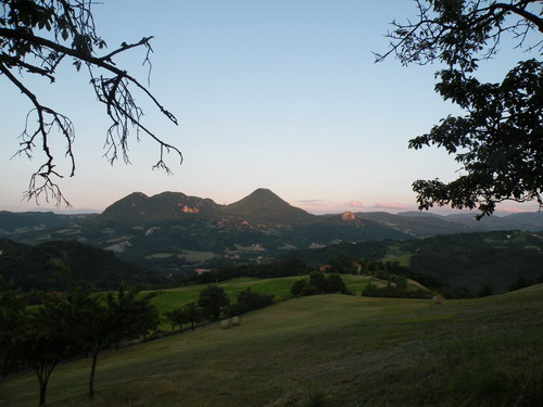 19/03/2010 - Località Volpara, comune di Gaggio Montano. Vista del Monte Montovolo e Vigese. Foto di Giulia Brunini