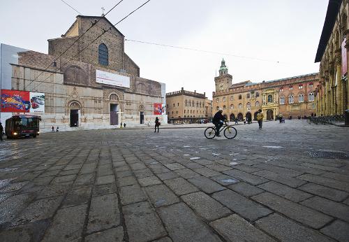 Portale - Bologna, Piazza Maggiore
