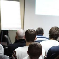 La camera di Commercio per il Programma Garanzia Giovani indice 80 ore di attività formativa  dal titolo Crescere Imprenditori