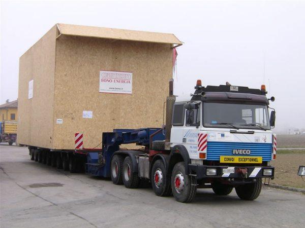 trasporto cassa contenente caldaiaindustriale