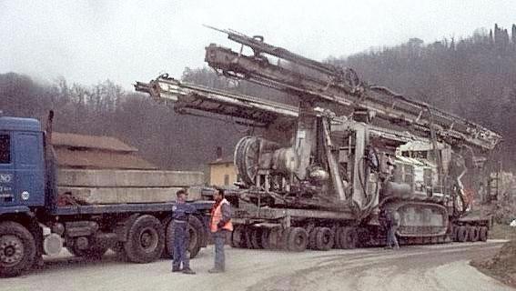 trasporto perforatrice galleria