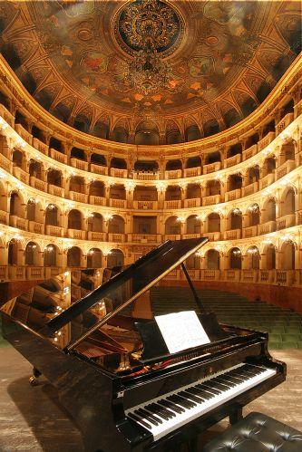 Bologna - Teatro Comunale - foto di Paolo Barone
