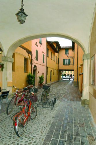 Budrio - Ingresso della Pinacoteca - foto di archivio della Provincia di Bologna, Vanes Cavazza
