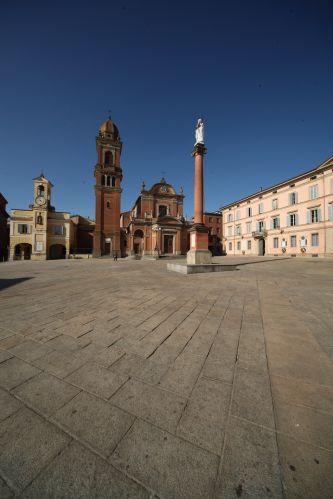 Castel San Pietro Terme - Piazza XX Settembre - foto di Paolo Barone