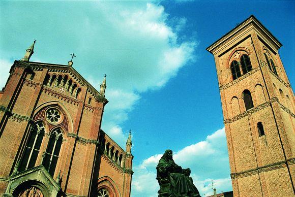 Crevalcore - Piazza Malpighi - foto di Provincia di Bologna