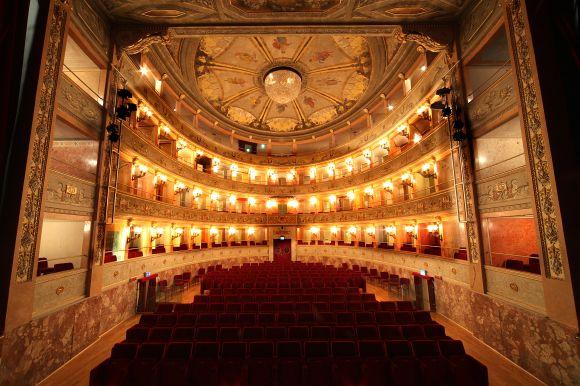 Imola - Teatro Ebe Stignani - foto di Paolo Barone