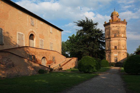 Minerbio - Palazzo Nuovo e Torre Colombaia - foto di Paolo Baroni