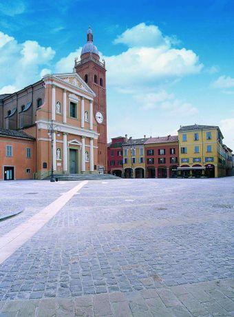 San Giovanni in Persiceto - Piazza del Popolo - foto di Comune di S. Giovanni in Persiceto, Fabio Fantuzzi
